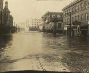 Flood_on_Franklin_Avenue