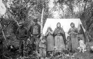 330px-Koyukon_People_1898_sfc00497