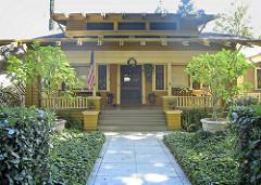 bungalow photo