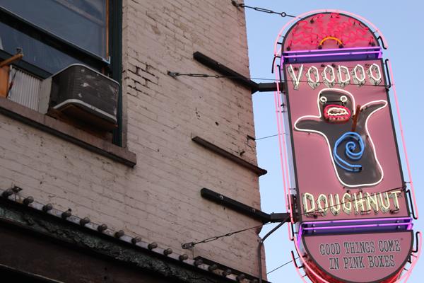 portland-voodoo-donuts-voodoo-sign