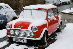 car snow photo
