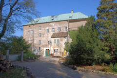 houska castle photo